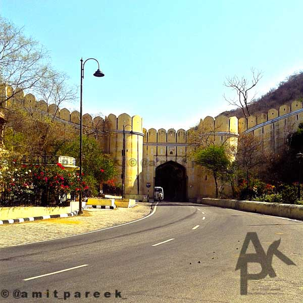 Amer-gallery-main-gate