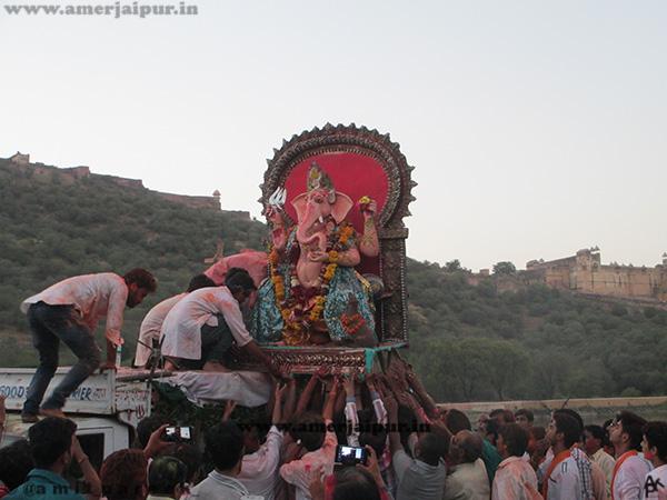 Ganesh-Chaturthi-Festival-in-Amer-Jaipur